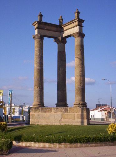 Tres columnas Ciudad Rodrigo