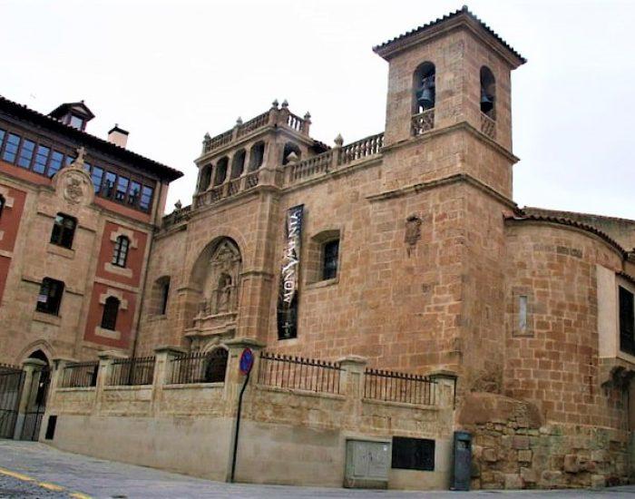 Fachada de la Iglesia de San Millán