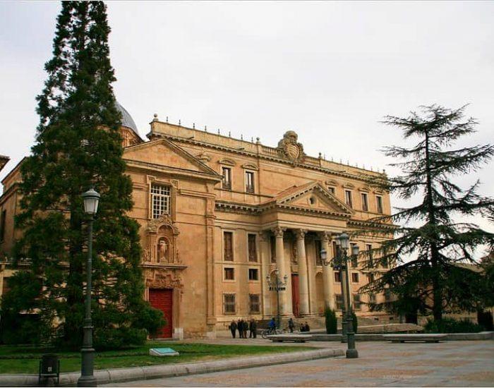 Fachada del Palacio de Anaya