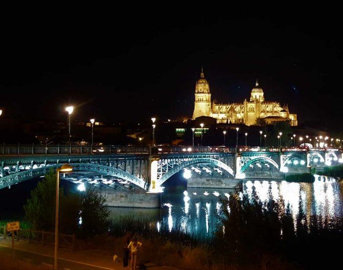 Catedral de Salamanca y puente