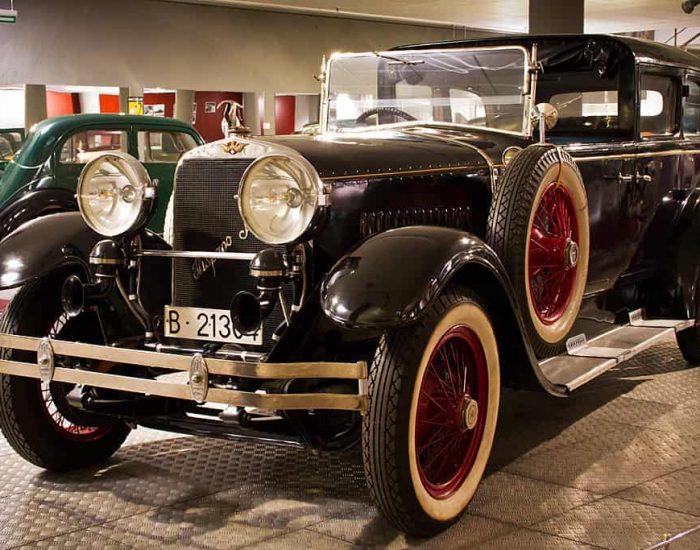 Coche del museo del automovil